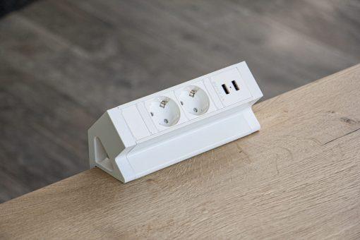 Powerdock 2 x 230V + USB wit